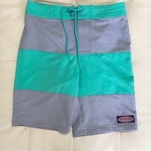 Vineyard Vines NWOT Boys board shorts small (8-10)